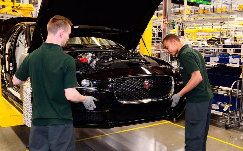 Jaguar Land Rover приостановит выпуск машин из-за нехватки микросхем