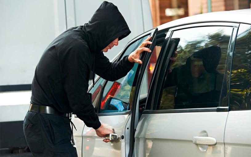 Страховщики рассказали о мошенниках, которые угоняют машины сами у себя