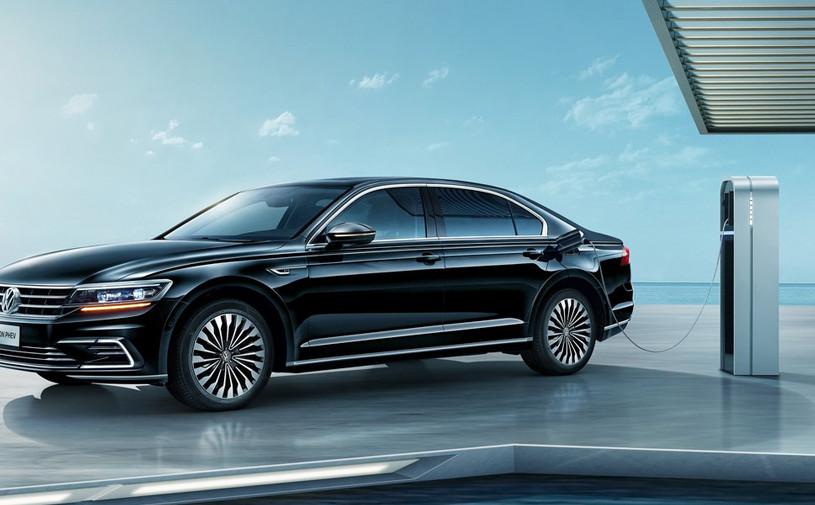 Флагманский седан Volkswagen Phideon для Китая стал гибридом