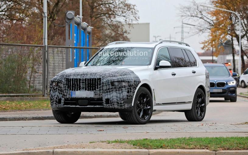 Обновленный  BMW X7 заметили на дорогах общего пользования