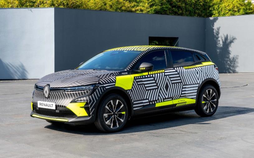 Renault показала предсерийную версию электрического кроссовера Megane