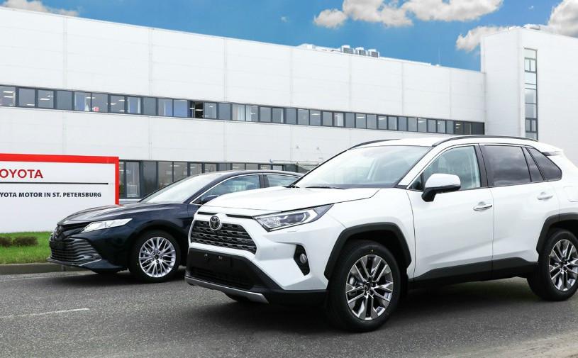 Названы сроки появления «подключенных» автомобилей Toyota в России
