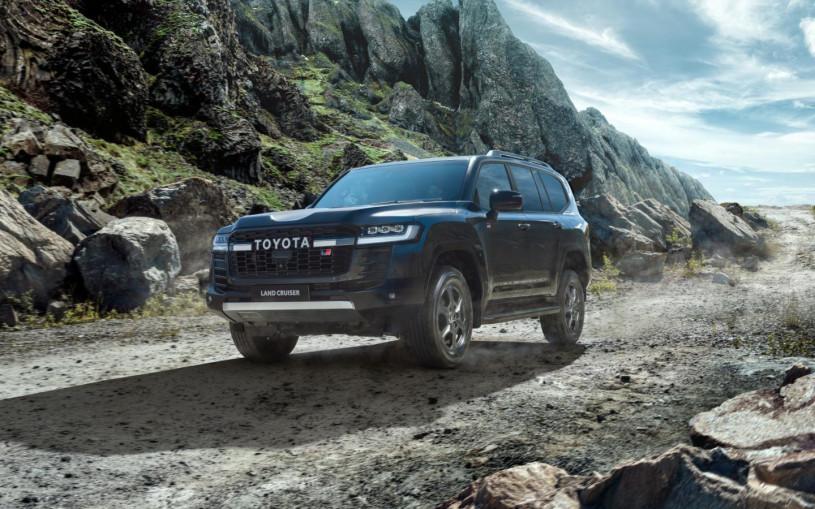 Toyota привезла в Россию спортивный Land Cruiser 300 за ₽7,6 млн