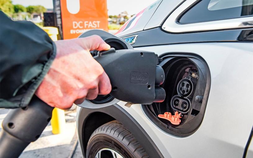 Chevrolet рассказала об электрическом кроссовере Bolt