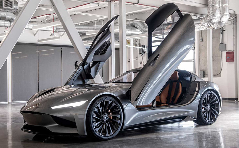 В Лос-Анджелесе дебютировало 1100-сильное купе с дверьми-гильотинами