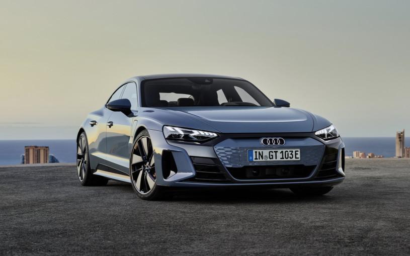 Audi представила электрический суперседан e-tron GT
