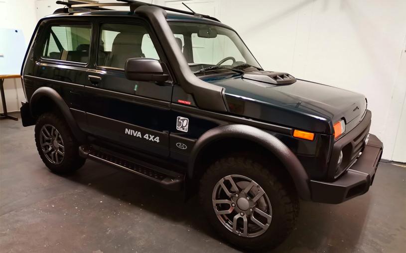 В Германии выпустили первый экземпляр Lada Niva Legend. Фото