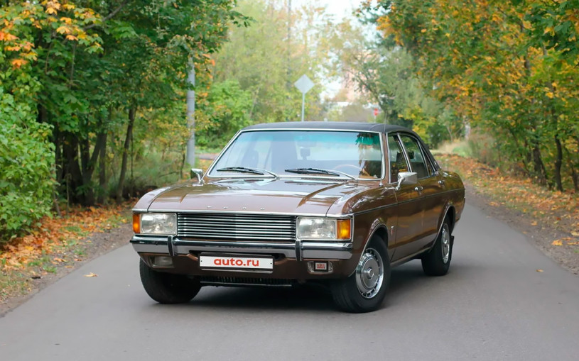 В Москве выставили на продажу 47-летний бизнес-седан Ford с историей