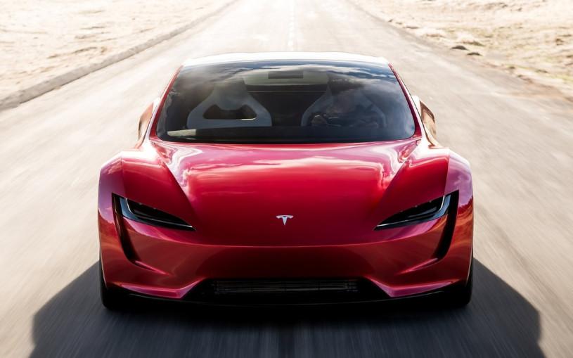 Илон Маск пообещал научить новый Tesla Roadster парить над землей