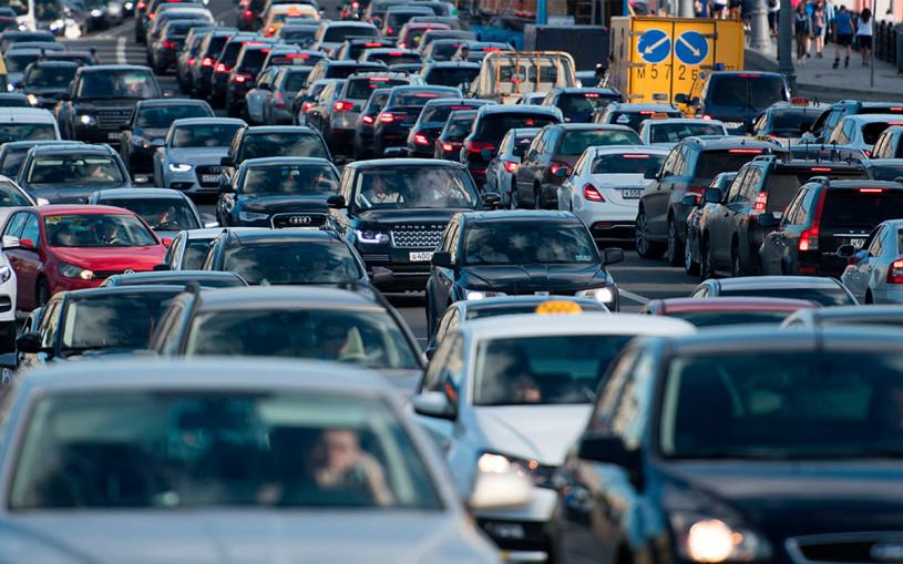 Власти Москвы предупредили о «дне сурка» на дорогах из-за ремонта и дождя