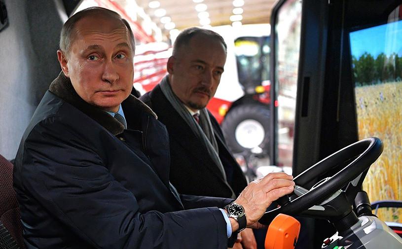 Владимир Путин заявил о возможности снижения цен на бензин