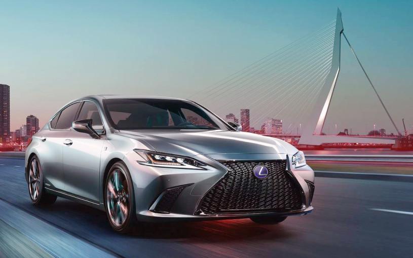 Lexus ES нового поколения превратили в гибрид