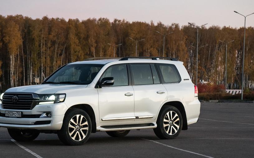 Феномен. Тест-драйв Toyota Land Cruiser 200