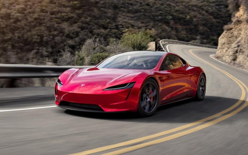 Tesla изменит внешность суперкара Roadster перед запуском в серию