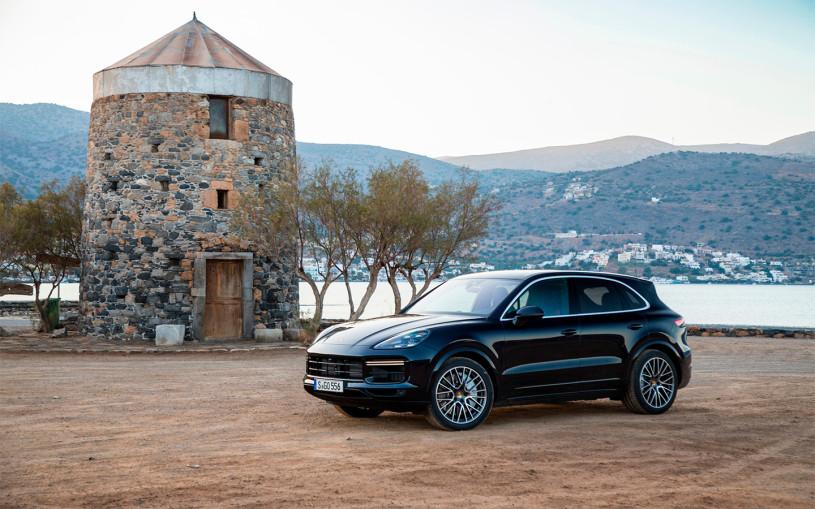 Porsche отзовет кроссоверы Cayenne в России из-за угрозы возгорания