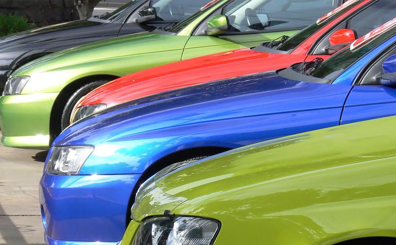 За месяц 24 компании изменили цены на автомобили в России