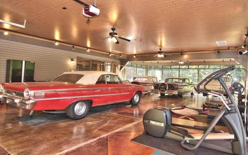В США продают дом, в котором есть гараж на 25 машин. Фото