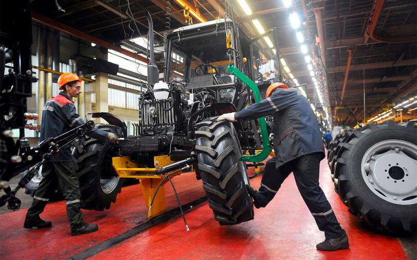 Автозаводы в Беларуси бастуют. Что на них вообще выпускают?