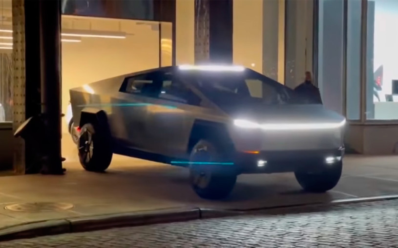 Пикап Tesla Cybertruck проехал по дорогам Нью-Йорка. Видео