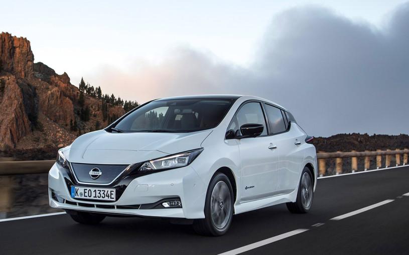 Электрокар Nissan Leaf могут привезти в Россию