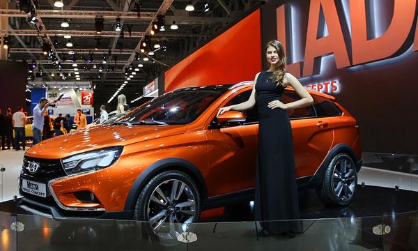 Один раз увидеть: лучшие девушки Московского автосалона