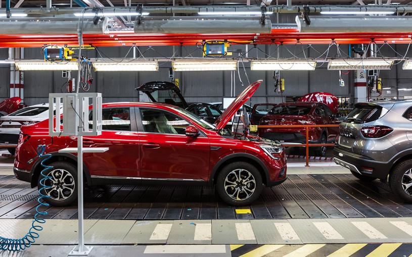 Примеряем на себя: как собирают автомобили Renault в Москве