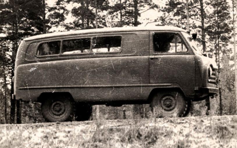 УАЗ показал советский штаб на колесах на базе «Буханки»