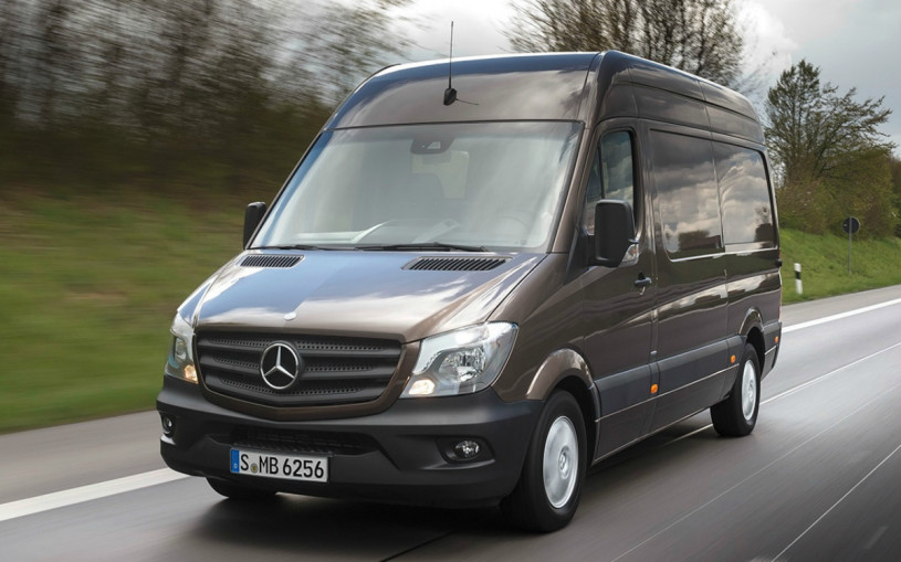 Mercedes отзовет в России 1,7 тыс. машин из-за проблем с тормозами