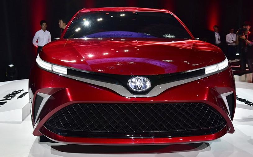 Toyota привезла в Шанхай «веселый» седан