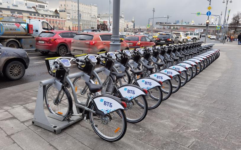 Власти рассказали, как безопасно ездить на велосипеде по городу