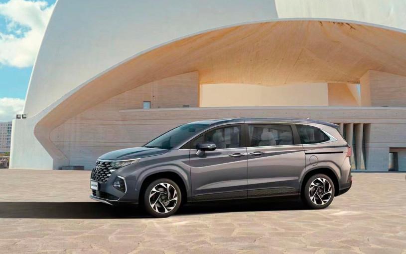 Hyundai представил новый минивэн в стиле кроссовера Tucson