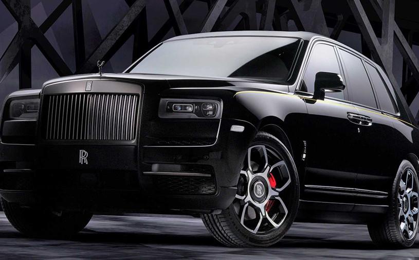 Кроссовер Rolls-Royce получил «черную» версию и стал мощнее