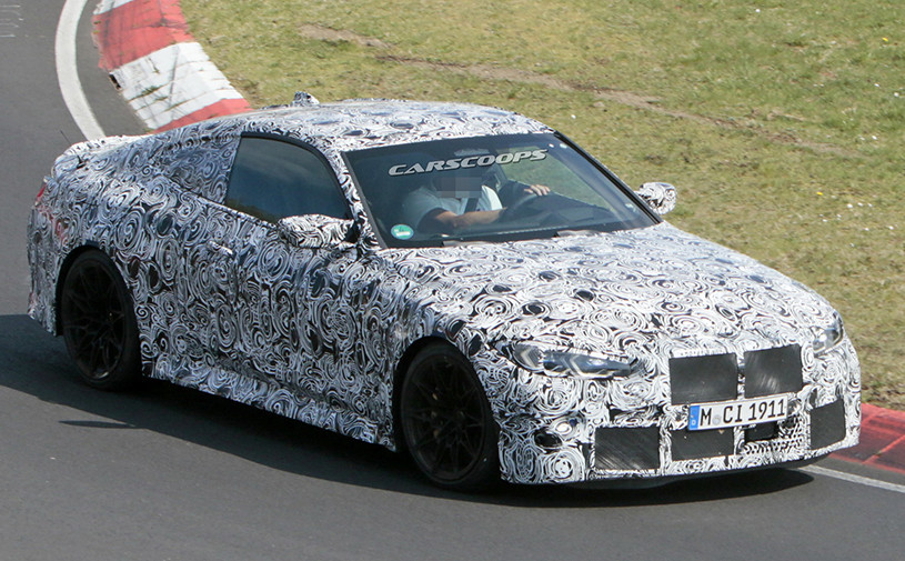 Видео: новую BMW M4 испытали на «Нюрбургринге»