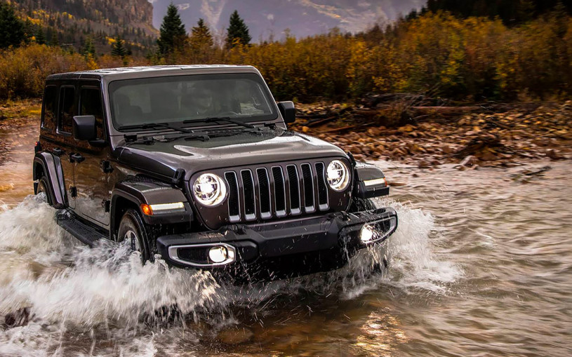 Jeep анонсировал продажи нового внедорожника в России