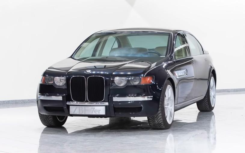 BMW показала на видео концепт из 90-х с огромными «ноздрями»