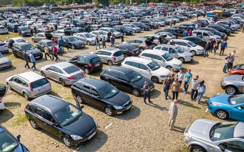 За девять месяцев россияне потратили на подержанные машины 2 трлн рублей