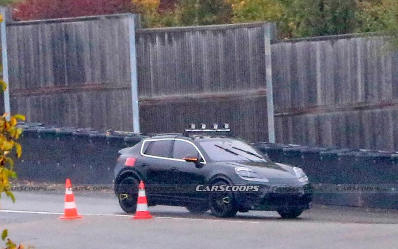 Porsche выпустит электрический кроссовер Macan