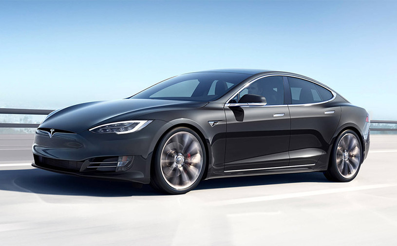 Электрокары Tesla получат новую силовую установку с тремя моторами