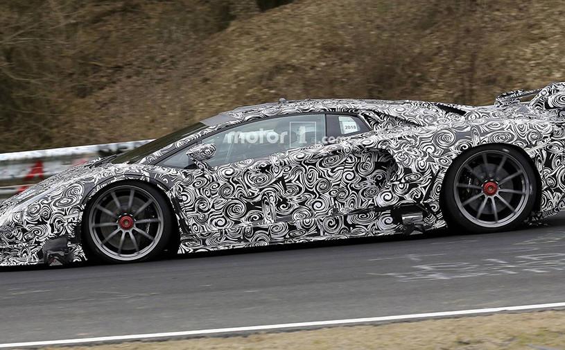 Lamborghini Aventador SVJустановил рекорд Нюрбургринга