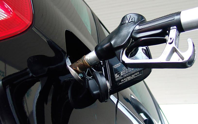 Власти придумали новый способ борьбы с недоливом топлива на заправках