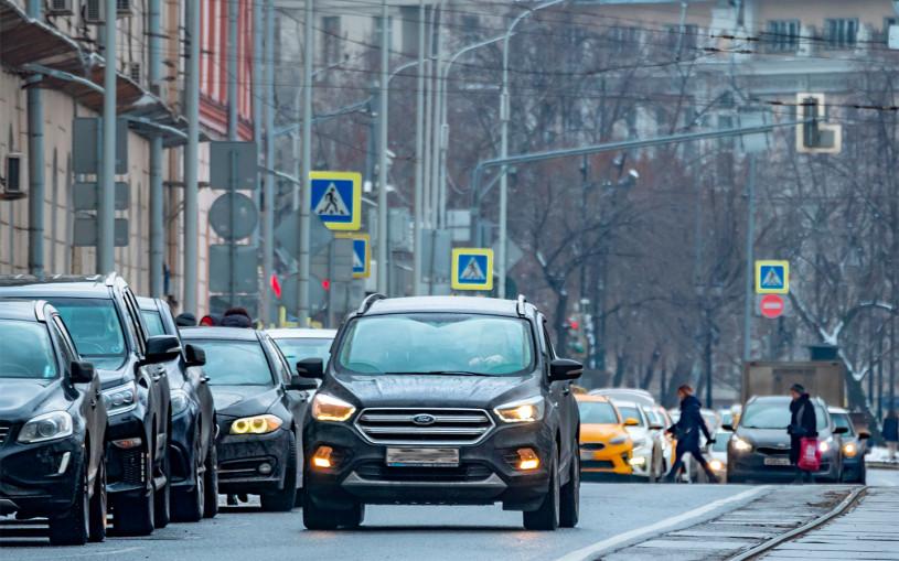 Власти Москвы предупредили водителей о скорой зиме