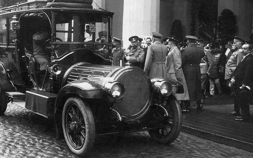 Mercedes для царя: на чем ездили до революции