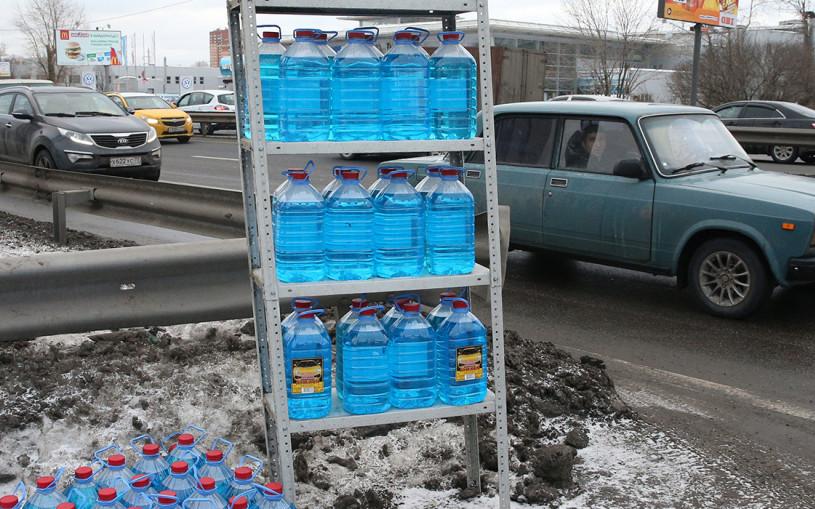 Метанол, этанол, изопропил: какую незамерзайку покупать этой зимой