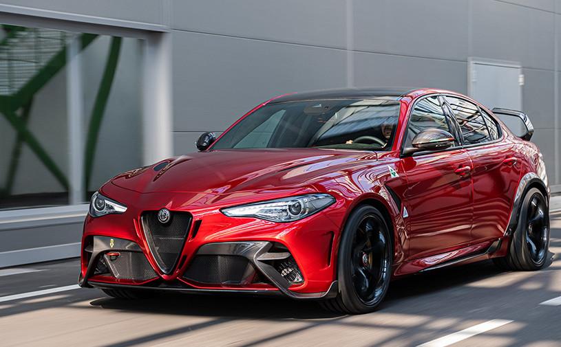 Самая мощная Alfa Romeo Giulia стала легче и быстрее