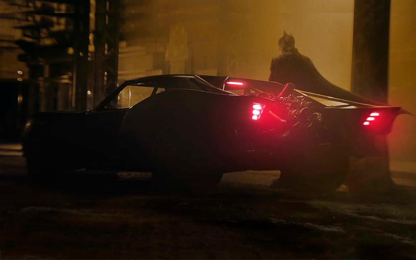 Новый Бэтмобиль рассекретили до премьеры
