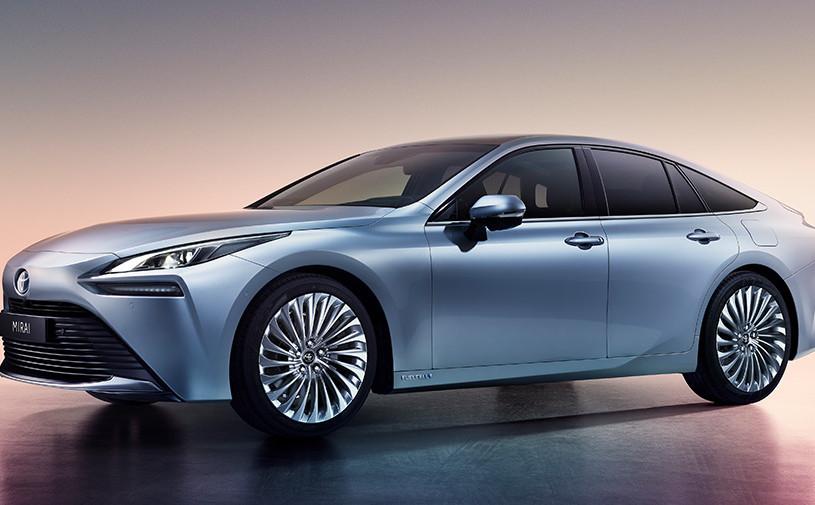 Toyota рассекретила новый водородный седан