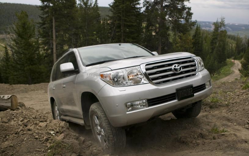 Toyota Land Cruiser возглавил рейтинг самых живучих автомобилей