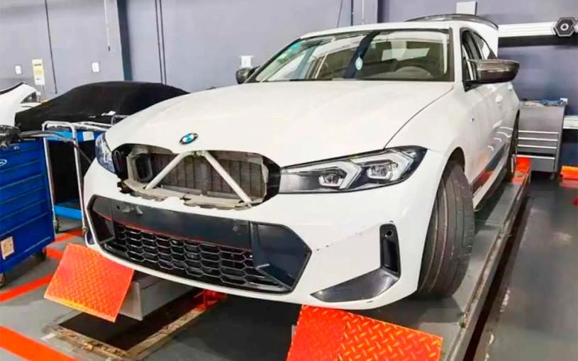 Обновленную «трешку» BMW выпустят без огромных «ноздрей». Фото