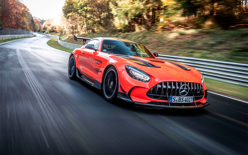 Мощнейший Mercedes установил абсолютный рекорд Нюрбургринга. Видео