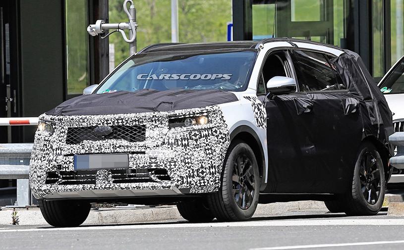 Kia Sorento нового поколения впервые замечен на тестах